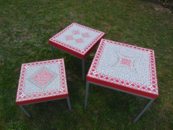 Trio tables basses rouge gris